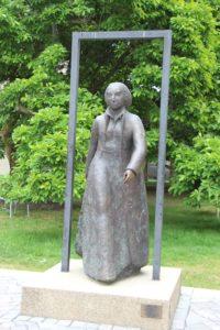 Katharina von Bora statue
