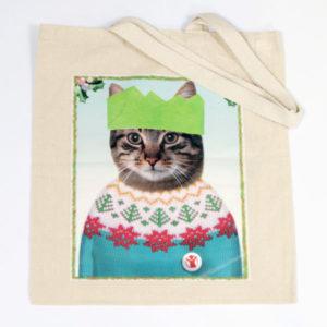 Tote-Cat in sweater